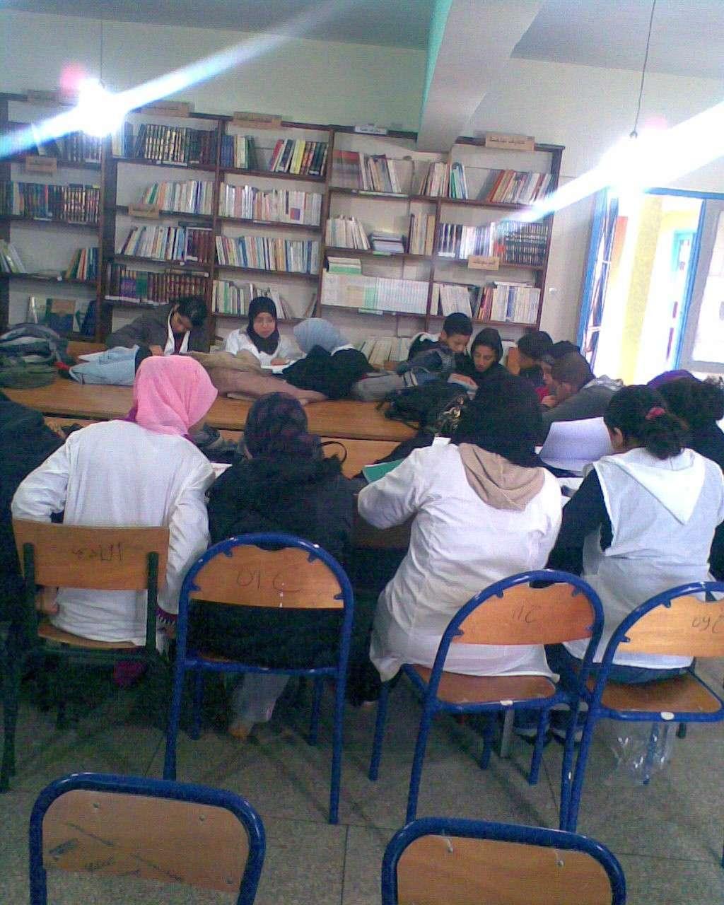 من أنشطة المكتبة المدرسية Photo010