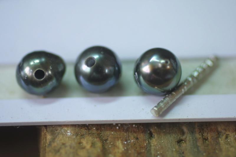 L'enfilage de perles, des nœuds surtout dans ma tête Img_3411