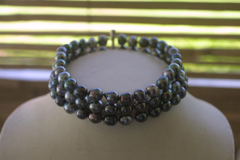 L'enfilage de perles, des nœuds surtout dans ma tête Img_3414