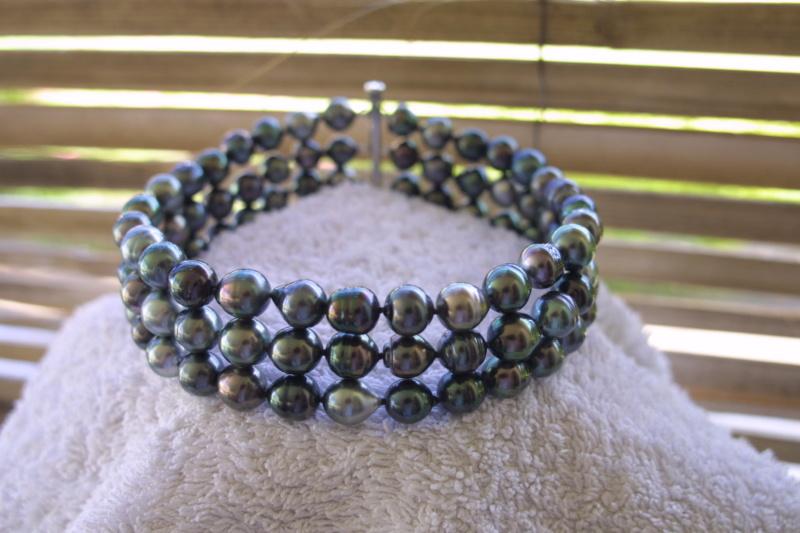 L'enfilage de perles, des nœuds surtout dans ma tête Img_3514