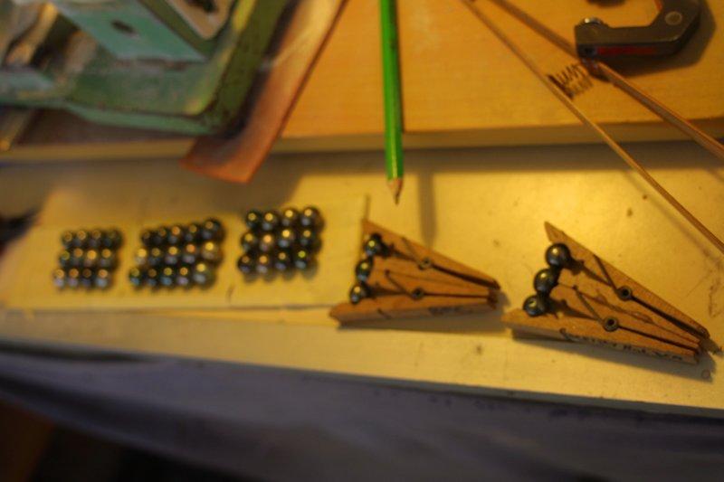 L'enfilage de perles, des nœuds surtout dans ma tête Img_5212