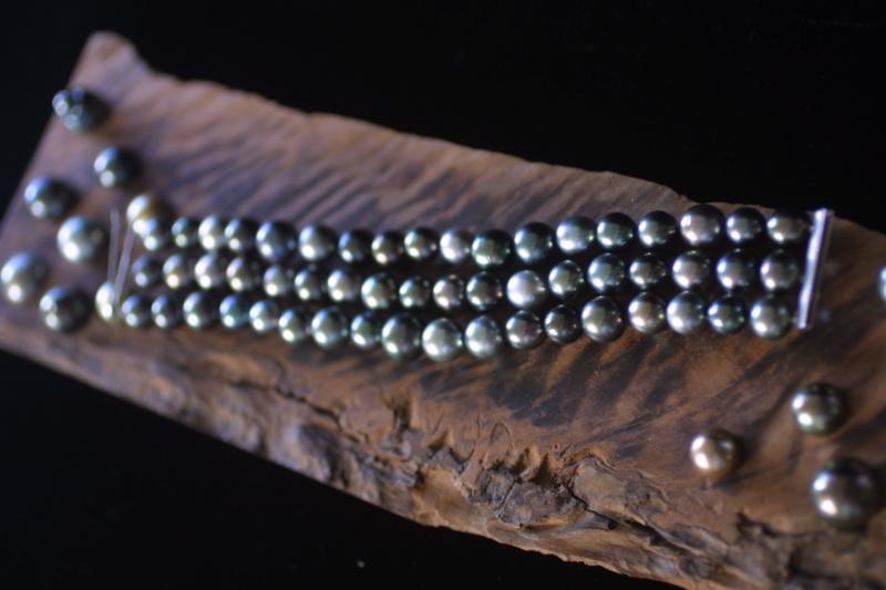 L'enfilage de perles, des nœuds surtout dans ma tête Img_5410