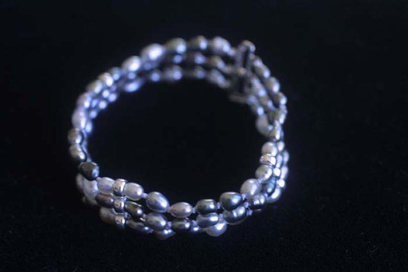 L'enfilage de perles, des nœuds surtout dans ma tête M_img_45