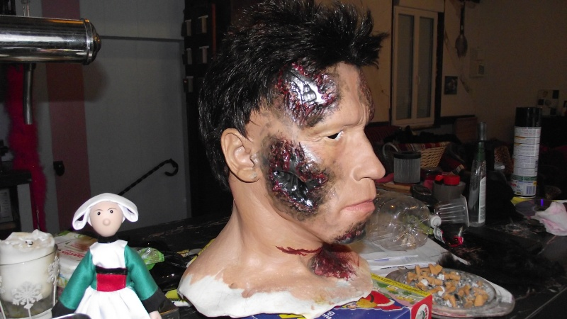 Terminator 3 Bust damaged 1/1 (Arnold) Dscf2310