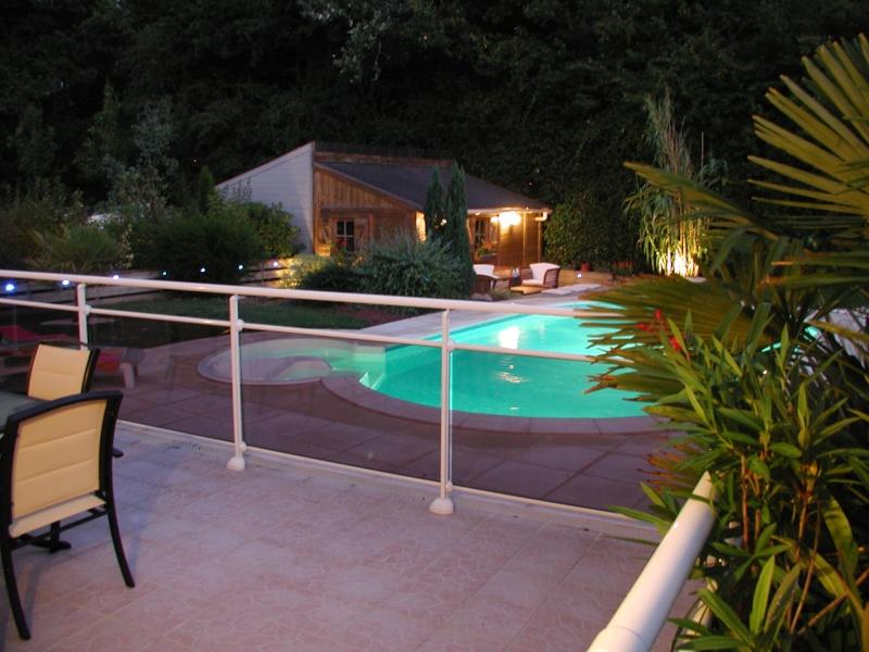 Evolution du jardin quelques années après la construction de la piscine - Page 3 0210