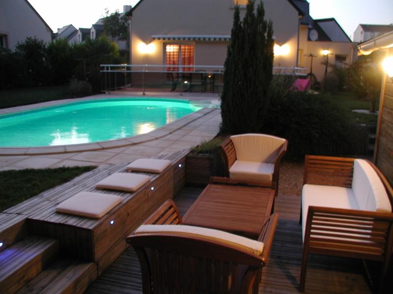 Evolution du jardin quelques années après la construction de la piscine - Page 3 0710
