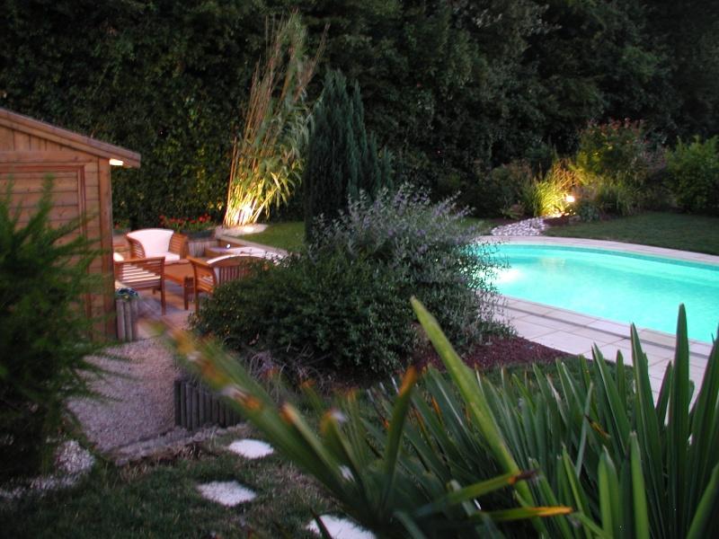 Evolution du jardin quelques années après la construction de la piscine - Page 3 0910