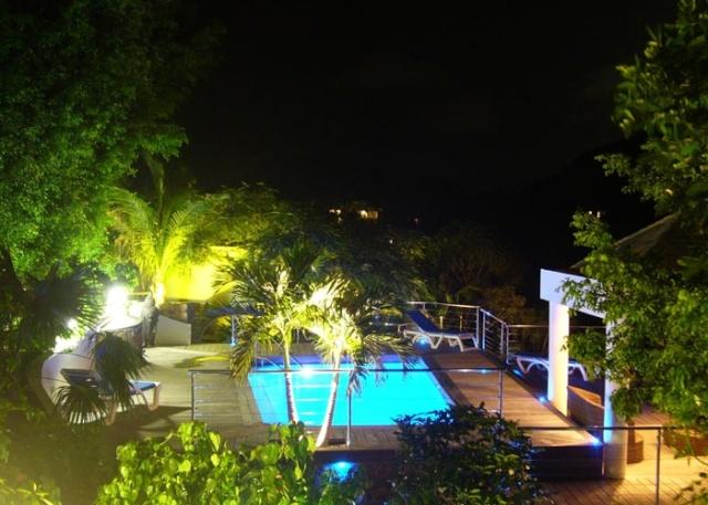 Aménagement et éclairage autour de la piscine Piscin13