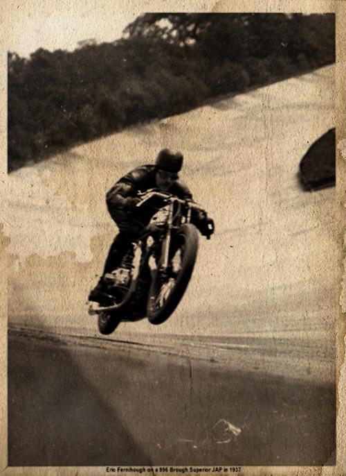 TRONCHE DE PISTARD...EN ACTION...DU MYTHIQUE...DU LEGENDAIRE - Page 2 Tumbl101