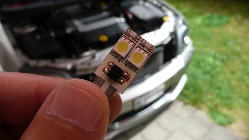 Quels types d'ampoules pour un rendu blanc sur nos vectra ??? - Page 9 P1110510