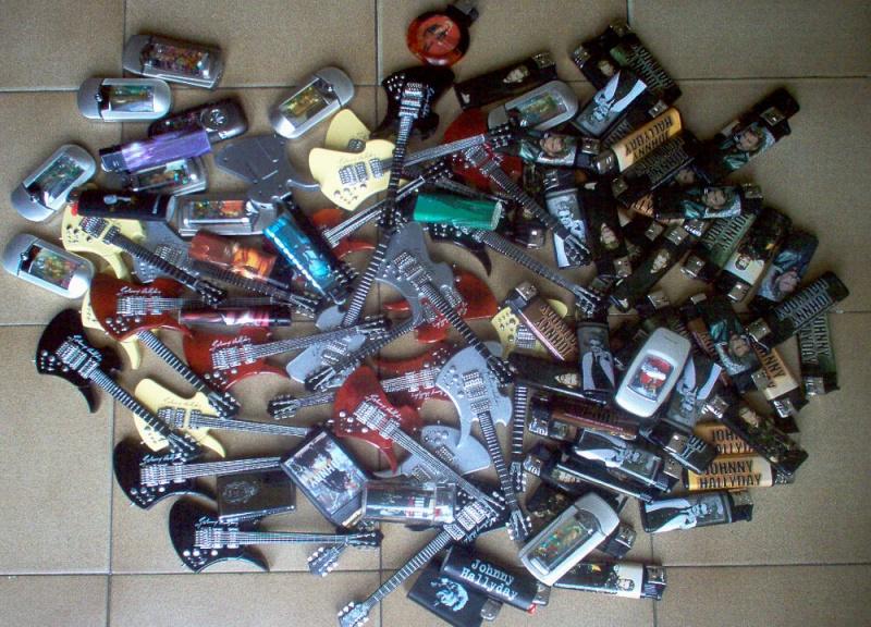 Briquets , étuis , boites a cigarettes et autres accessoires du fumeur  Bribri12