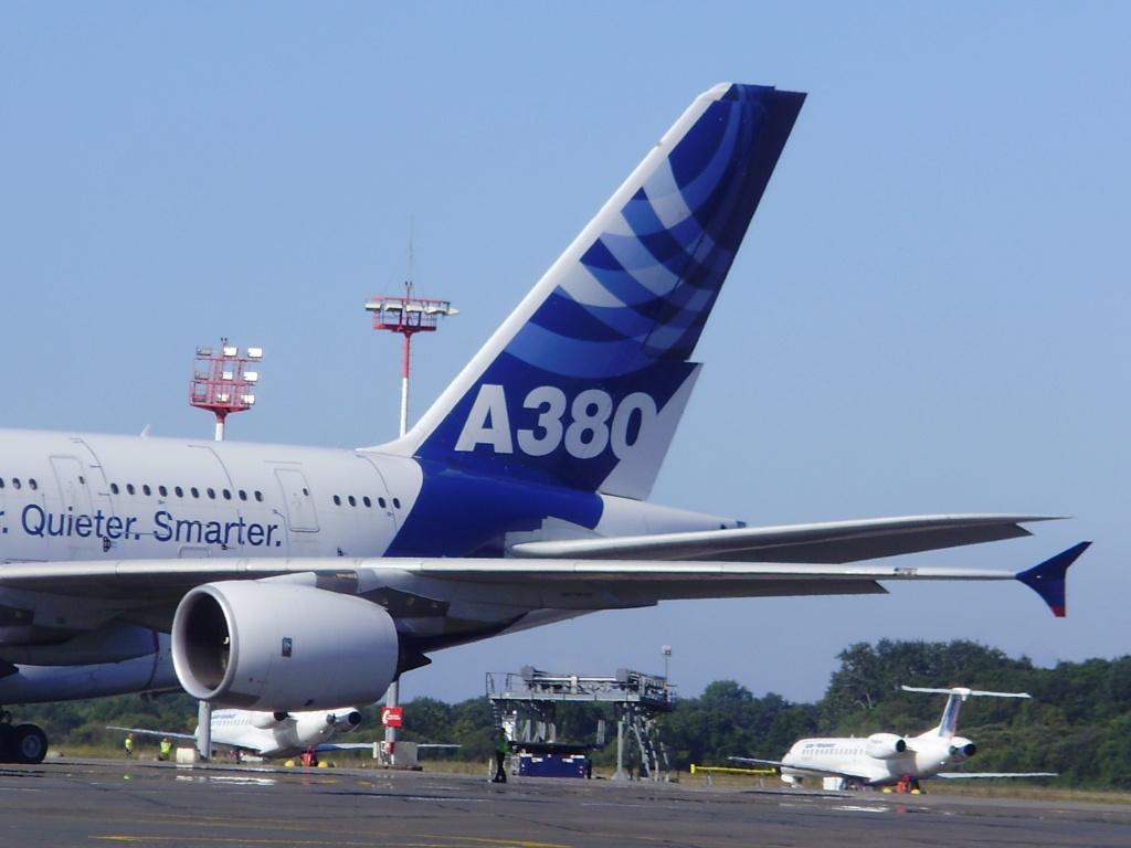 [29/08/2010] Visite de l'Airbus A380 à Nantes-Atlantique ! Derive10