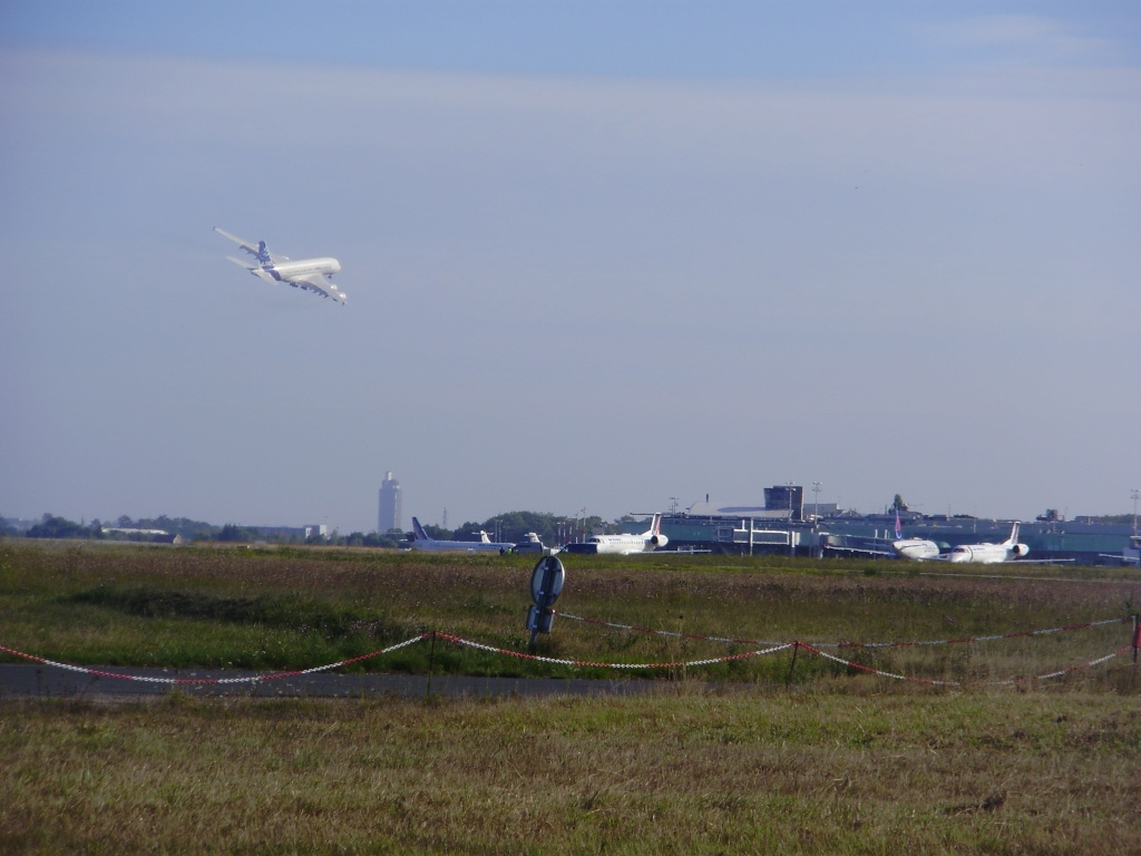 [29/08/2010] Visite de l'Airbus A380 à Nantes-Atlantique ! Tourne10