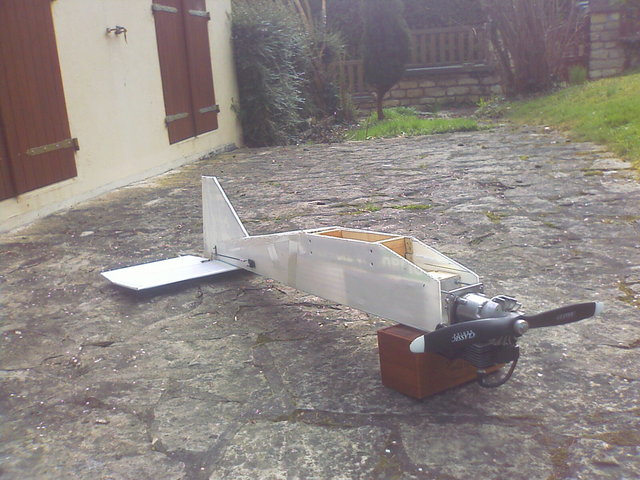 construction avion avec moteur  debroussailleuse   310