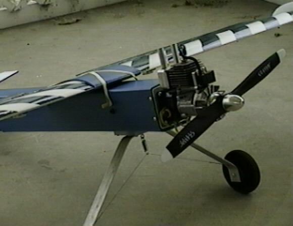 construction avion avec moteur  debroussailleuse   710