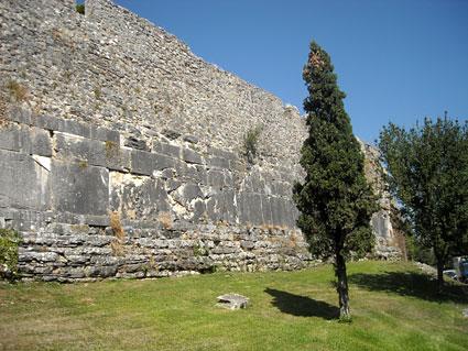 Τείχος Αρχαίας Αμβρακίας Iiuiii11