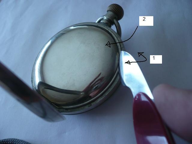 Comment ouvrir un boite de montre en or LIP? P1040612