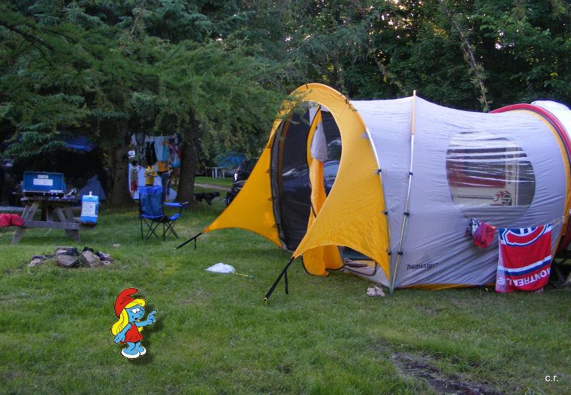 La Petite Stroumfette Rouge roule toujours,  Shenandoa montain, Washington, Cape Hatteras, Québec, Ontario 0110