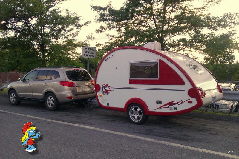 La Petite Stroumfette Rouge roule toujours,  Shenandoa montain, Washington, Cape Hatteras, Québec, Ontario 0810