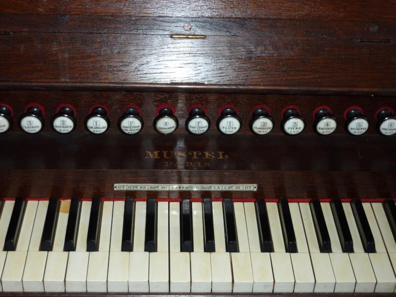 Mustel model K P1000012