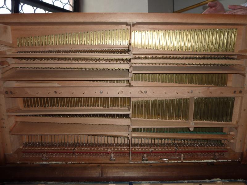 Mustel model K P1000018