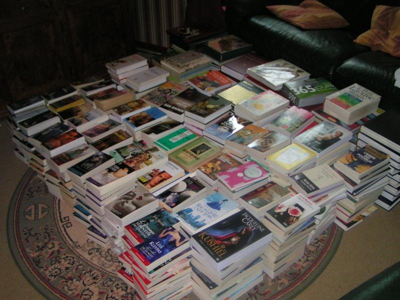 Photos - Et si on se montrait nos bibliothèques ? - Page 2 Pict0010