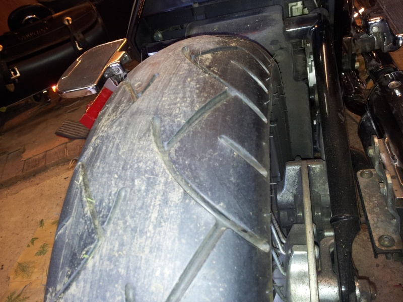 2000 VN - Usure malsaine du pneu avant Photos12