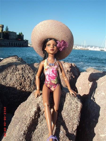 THEME PHOTOS D' AOUT 2012 : ELLO en vacances  - Page 4 2012_013