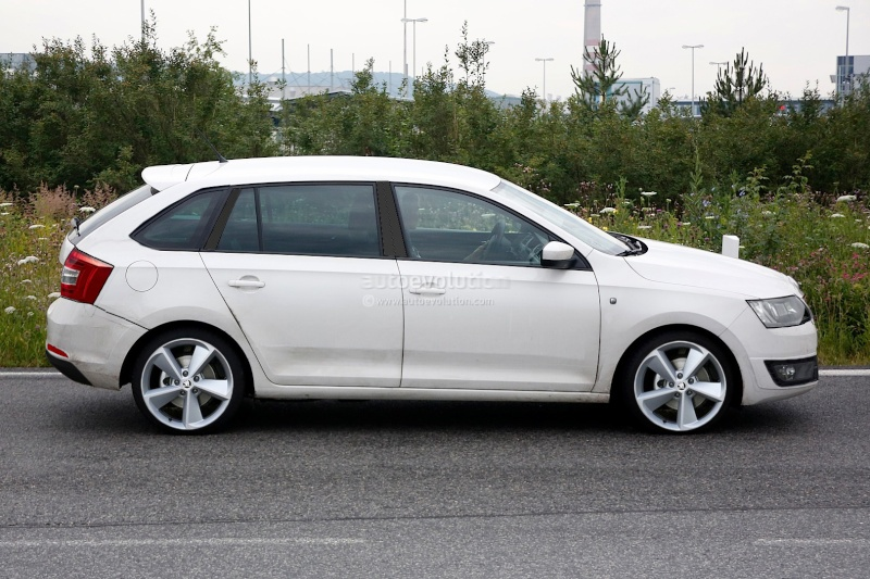 2014 - [Skoda] Rapid Spaceback Spysho10
