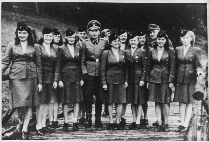 Les femmes dans la SS 3476210