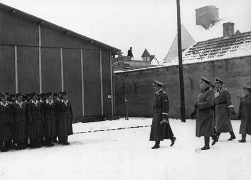 Les femmes dans la SS Hitler10