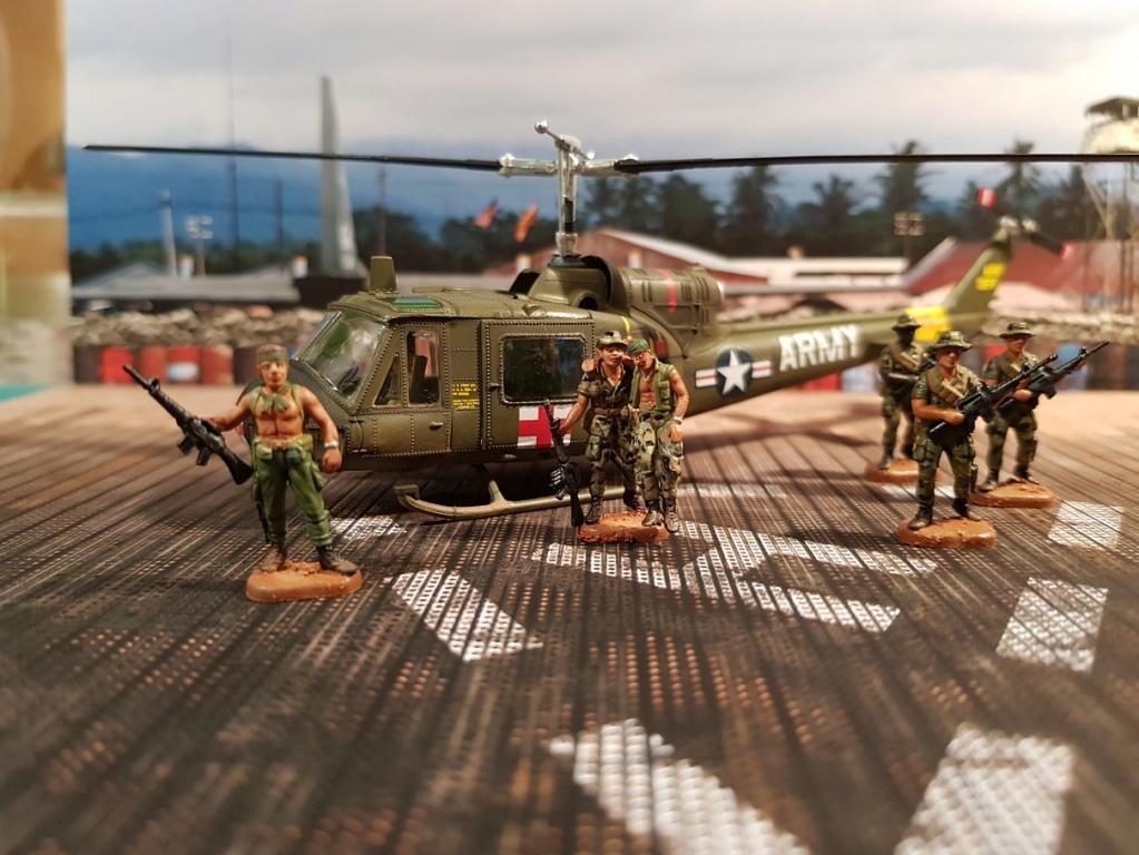Italeri UH-1 B & D Vietnam 1/72 114