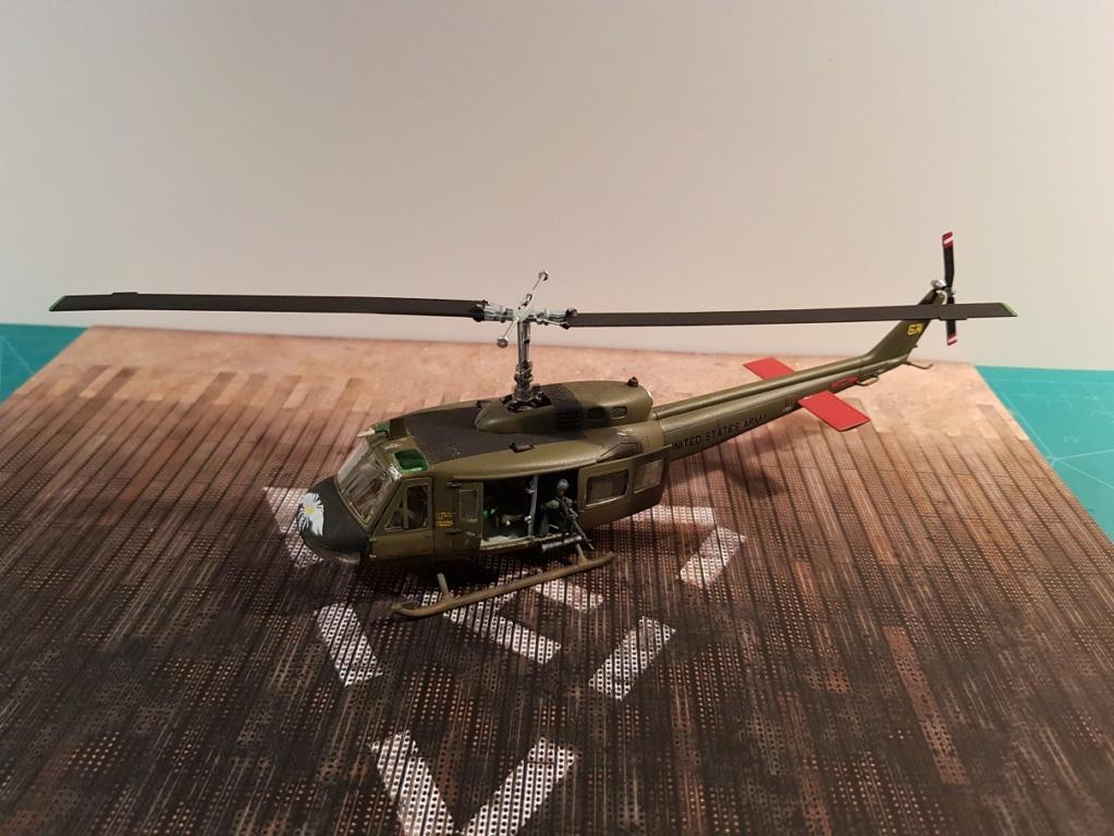 Italeri UH-1 B & D Vietnam 1/72 116
