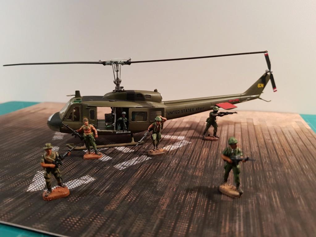 Italeri UH-1 B & D Vietnam 1/72 20190211