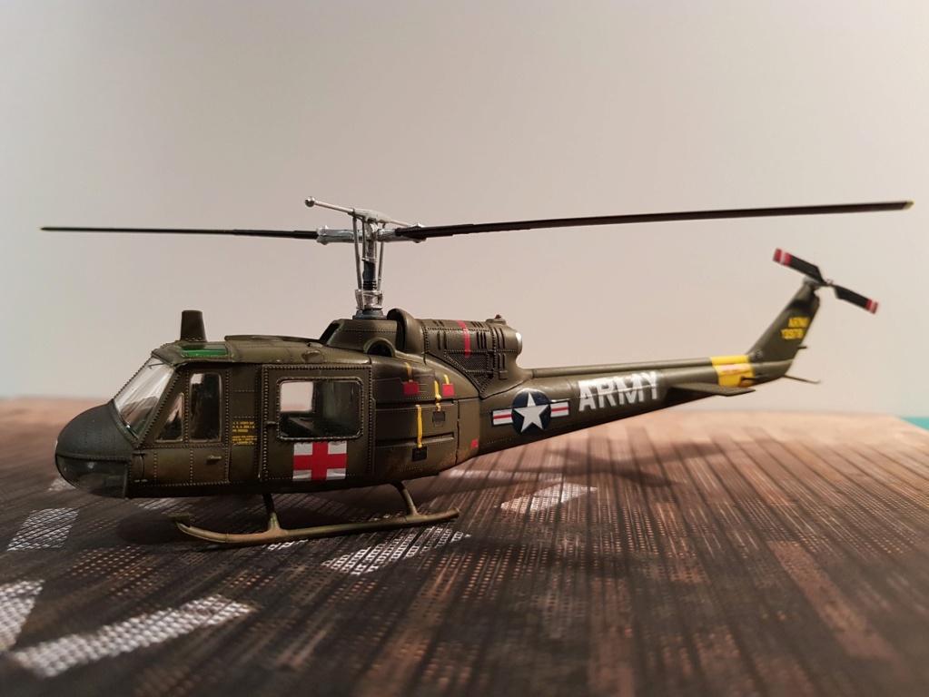 Italeri UH-1 B & D Vietnam 1/72 411