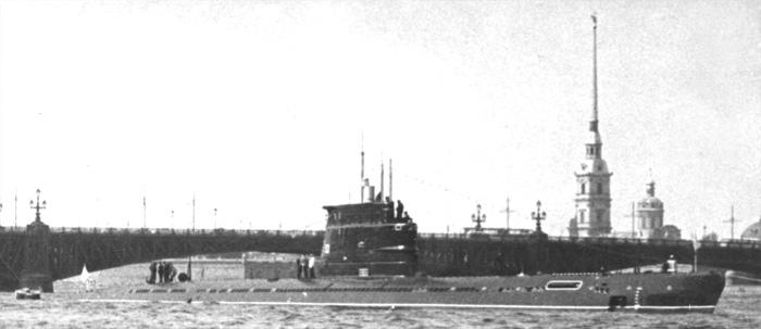 Sous-marin Soviétique Classe ZULU (project 611) 1/350 Zulu_i10