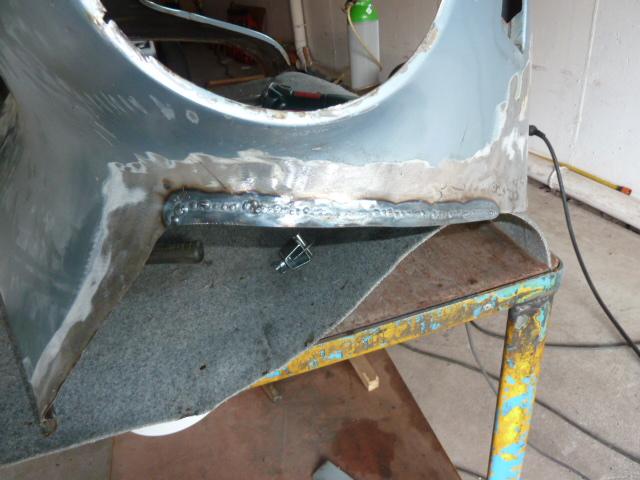 denis du bas rhin et sa Karmann Ghia de 73 sortie de grange - Page 3 P1070010