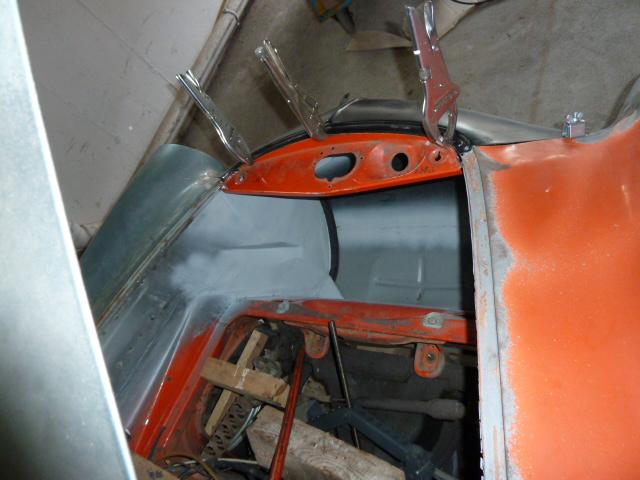 denis du bas rhin et sa Karmann Ghia de 73 sortie de grange - Page 3 P1070018