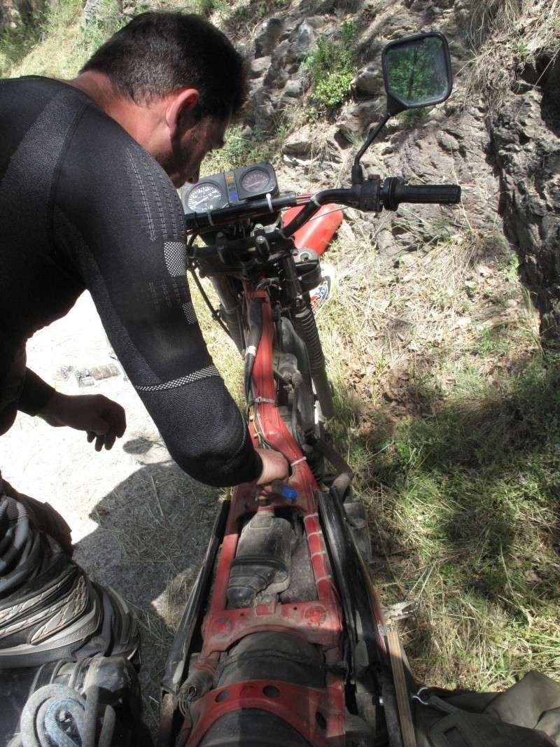 traversée des pyrennées en 125 xls, la preparation... - Page 7 Img_4212