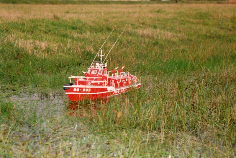 fire boat LE TYPHON au 1/15 Ty311