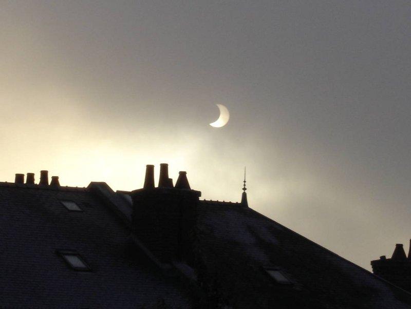 Eclipse partielle du Soleil mardi 4 janvier 2011 - Page 3 Eclips10
