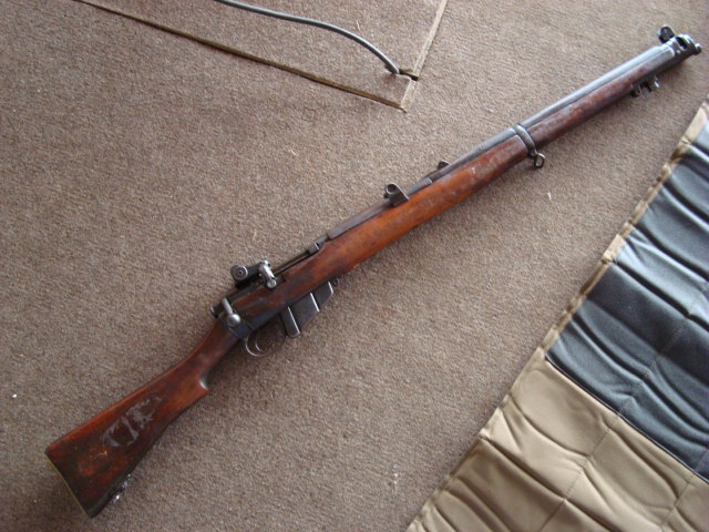 .22 RF Pattern 1914 Short Rifle No. 1 avec une mire arrière canadienne No. 10A Dsc01416