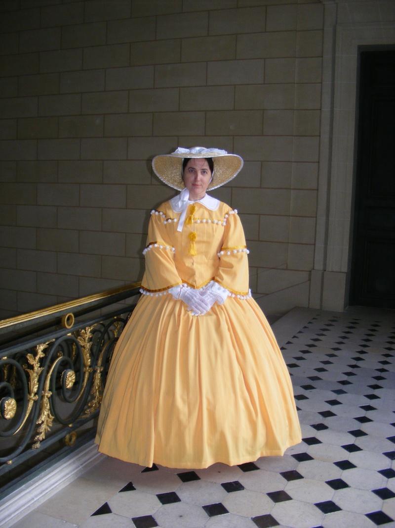 [Histo] Robe de sortie jaune Dscf1110