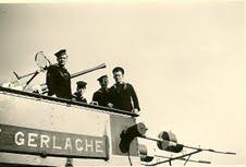 M900 / A954 Adrien De Gerlache (ex HMS Liberty) - Page 7 00911