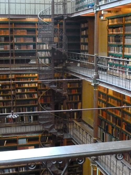 Des bibliothèques prestigieuses. P1030613