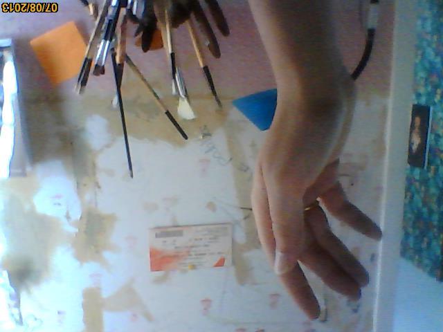 Main ensanglantée  Image210