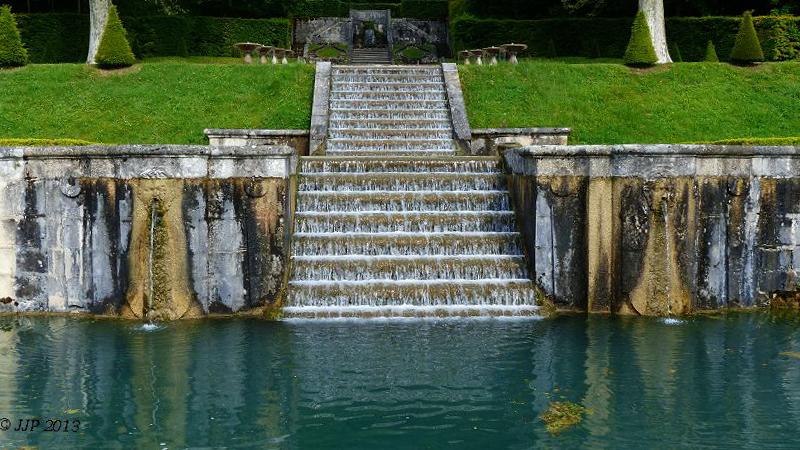 Fontaines de France et d'ailleurs - Page 3 2013_011