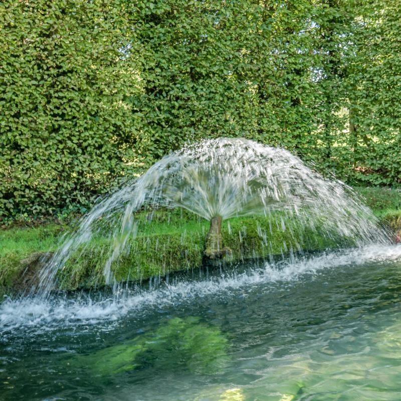 Fontaines de France et d'ailleurs - Page 3 Les_co10