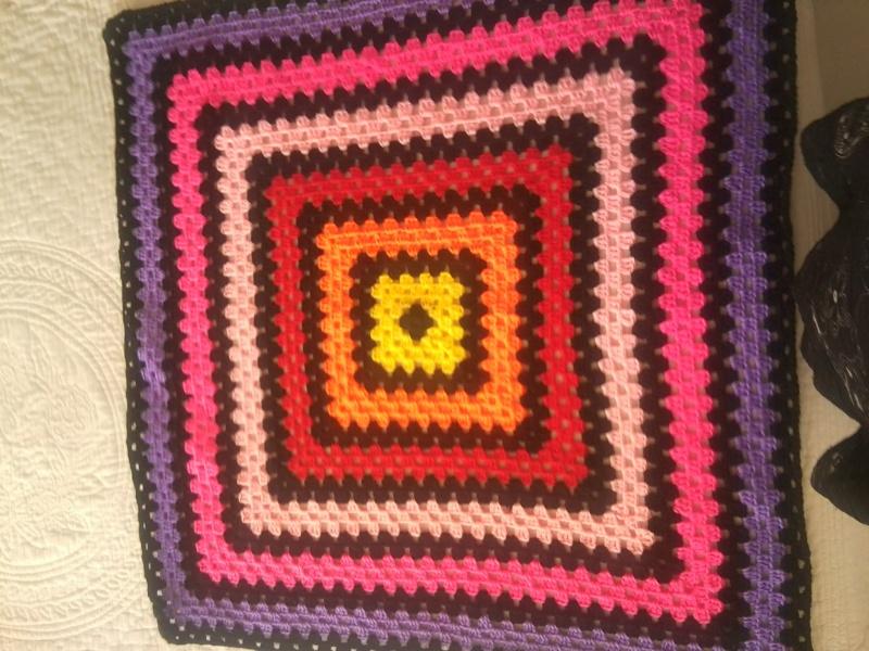 sac granny au crochet  - Page 2 Photo082