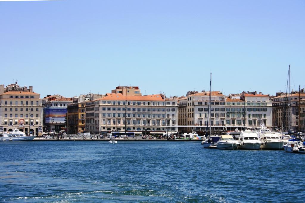[Ports] Marseille aujourd'hui - Les îles du Frioul. - Page 4 06_07_17